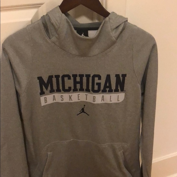 Michigan Hoodie Size Basketball Small Jordan rdWCoEBQex